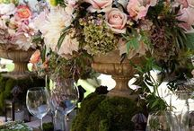 Elaborated Wedding setting table and flowers