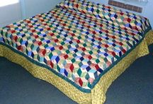 Amish Patchwork Quilts / Various Amish patterns revolving around the patchwork method of piecing.
