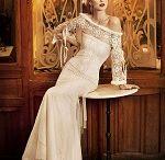 Vintage trouwen jaren '30 / In de jaren '30 draait het nog steeds om de Art-decostijl en het is een geweldig thema voor een romantisch en stijlvol huwelijk. Strakke lijnen, elegante bruiden en uitbundige feesten.