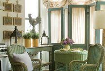 Sitting areas/reading nooks/window seats