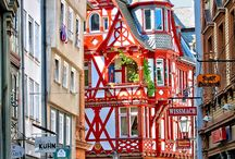 Destination: Germany / From the entrancing Christmas Markets of Munich, to the fairytale castles of the Bavarian Alps, Germany is bursting at the seams with cultural treasures and rare experiences.