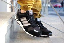 """Adidas ZX 700 """"Core Black"""" M19389"""