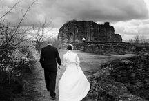 Ideas fotos de boda / Interpretar cada boda como algo intemporal se consigue con fotos como éstas, donde el amor queda reflejado por siempre: no pasan de moda.