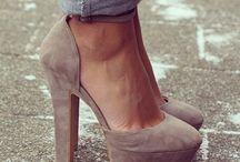 Scarpe con tacchi a spillo