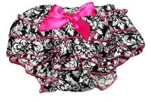 Ruffle Baby Bloomers / Fuzzy Freckles is so excited to be offering ruffled Baby bloomers!