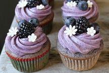 Yummilicious Desserts / by Emily Domeyer