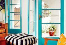 Rengarenk Ev Dekorasyonları / Evlerin tek renk ve sıradan renklerinden sıkılanlar için Gökkuşağı gibi rengarenk ev dekorasyonları.