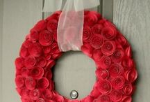 Rose craft / I love dried roses! Plus there are a couple of papercraft roses in there too.