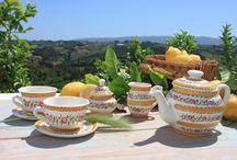 Tea sets ✻ Handmade / ❥ Conjuntos de chá em faiança pintados à mão, elaborados em fábrica local e familiar.