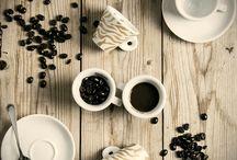 Our collections / Le nostre tazzine da collezione... per godere del piacere del caffè, senza tralasciare alcun dettaglio.