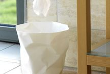 Mini Bin Bin / A natural addition to Bin Bin the mini version is the perfect bathroom bin, or for places where space is at a premium.  Waste paper basket, 7 liters Ø250 x H250 mm, 360g Colours: white, black, red  Polyethylene HD (rigid) Produced in Germany Design John Braue