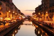 MILAN with Halldis / Discover Milano, it's interior designs and beautiful view around the city. Live the city and enjoy it as a local.