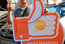 Thumbs Up Bali Getaway / Bersiaplah jika anda melihat tim kami selama anda berlibur di Bali. Ambil foto terbaik bersama keluarga anda dan dapatkan voucher hotel gratis langsung kami berikan untuk anda!  Ingin FREE VOUCHER juga? Mudah klik disini http://bit.ly/1QeJKSU  Selalu ada keceriaan bersama Bali Getaway!