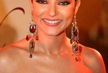 actress neck less