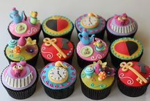 Cupcakes / by Janet Wulf