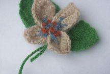 Broches, bisutería, accesorio de lana, tejido / Broches, bisutería, accesorio de lana, tejido