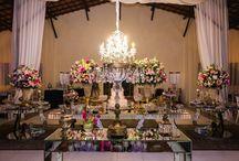 Mesas de bolo e doces para casamentos / Decoração de mesas do bolo e dos doces em casamentos.