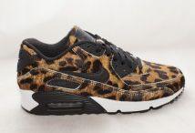Nike Air Max 90 / Toutes les Nike Air Max 90 sont chez The Social Sneaks. Achetez et Vendez vos sneakers.