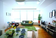 interior / interior livingroom sofa furniture tree mirror