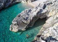 Chicche di un'italo-albanese, Marche, Riviera del Conero, Sud Albania, Vacanze Albania