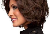 Прическа боб слоями для волосы средней длины