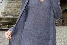 классический наряд: платье и кардиган