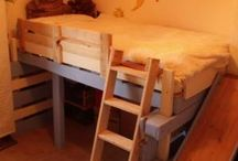 For the love of Pallets!! / by Kimberly Broskoskie