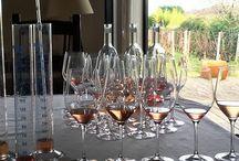 Dans nos chais / L'assemblage est repensé chaque année et construit « à l'aveugle » dans le but de valoriser le caractère du millésime ; puis la proportion de barriques neuves est définie dans l'objectif de respecter et d'exprimer la richesse de ce terroir. Ici, quelques-unes des étapes de la construction de nos vins.