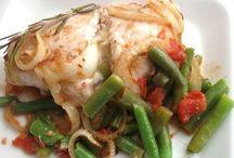 Рецепты - Вторые Блюда / Мы постарались собрать лучшие рецепты вторых блюд. Наше виртуальное меню чрезвычайно разнообразно — тут и различные сорта мяса, и птица, и рыба, и, конечно, такие полезные и давно полюбившиеся россиянам морепродукты. Большинство современных хозяек очень заняты на работе, поэтому специально для них предлагаем разнообразные вторые блюда на скорую руку. Готовить их очень легко, а главное процесс приготовления не отнимет много времени.