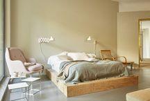 Contemporary Bedroom / Contemporary Bedroom Furniture