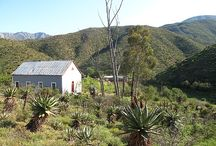 The Old School House / Get back to basics in this mountain bush house http://www.perfecthideaways.co.za/Details/The-Old-School-House