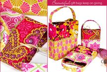 bags  -- gift and fun / by Diane Williams