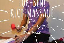 Tok-Sen Thai Massage - The New Trend / Tok-Sen ancient Massage Therapy.  Eine sehr alte nordthailändischen Massage Heilpraxis  Tok-Sen, Thai Klopfmassage wird immer noch in den ländlichen Thailändische Gebieten praktiziert, wo die Bauern nach dem harten Arbeitstag, Tok-Sen Massage von Familienmitgliedern erhalten.