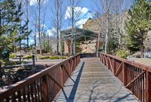 Estes Park Events Complex / The Town of Estes Park offers mountain wedding ceremonies in the natural splendor of downtown Estes Park, Colorado. Performance Park is now available to hold outdoor wedding ceremonies on Elkhorn Avenue in the heart of Estes Park's authentic downtown.