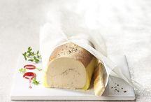 Le foie gras selon Comtesse / Le foie gras réservé aux fêtes ? Pourquoi tant de conformisme ? Pour Comtesse, le meilleur moment pour le savourer, c'est maintenant et à sa guise, tant que l'on choisit bien sa compagnie. A déguster à la fourchette ou déposé sur du pain légèrement toasté.