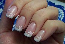 Beauty: Nails / by Debbie Beachboard