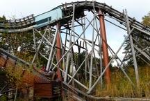 """Parc Astérix / Le Parc Astérix a ouvert le 30 avril 1989. Il est situé à moins de 5 km de la """"frontière"""" départementale."""
