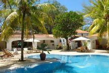 Villas Luxe Pieds dans l'Eau - Ile Maurice - Oazure / Tourisme Ile Maurice. Pour vos vacances à l'île Maurice, Oazure vous propose des villas à louer avec services exclusifs et activités. Pour des vacances en famille ou entre amis, louez une villa de luxe pieds dans l'eau.