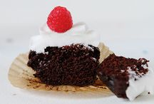 Cake Recipes / Always looking for new cake recipes to try / by Liz Felgate