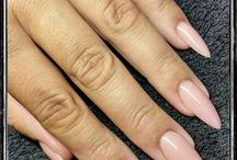 Mandelformede negle