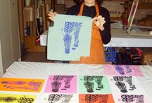 TacaMaca courses / TacaMaca ofers Screen printing courses. We love to show how we work to other crafters, each person gives to his creations his personal touch.