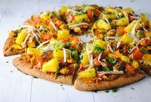 Vegan Pizzas / Vegan, dairy-free + plant based pizza recipes.