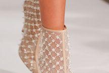 Zapatos, botas, sandalias