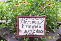 Yard and Garden Decor / by Cindy Huato