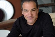 """Mandy Patinkin, Dress Casual: June 26th, 2016 / Mandy Patinkin in Concert presents the acclaimed actor/singer/ storyteller in his most electrifying role: concert performer.  """"Mandy Patinkin is in the business of showstopping,"""" raves The New Yorker, and that's exactly what he does in this powerful, passionate evening of popular song.  From Irving Berlin to Stephen Sondheim, from Cole Porter to Harry Chapin, Mandy Patinkin takes you on a dazzling musical journey you'll never forget."""