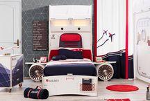 Διακόσμηση παιδικού δωματίου με θέμα το αεροπλάνο / Μια ακόμη καταπληκτική ιδέα για να σχεδιάσετε και να διακοσμήσετε το παιδικό δωμάτιο του αγοριού σας με  θέμα το αεροπλάνο. Παιδικό δωμάτιο με θέμα το αεροπλάνο στα χρώματα του μπλε και του κόκκινου.