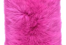 Poduszka dekoracyjna CZUPER różowy/Faux fur pillow CZUPER pink / Poduszka dekoracyjna CZUPER różowy/Faux fur pillow CZUPER pink