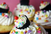Cupcake Crazy!! / by Peggy Specht