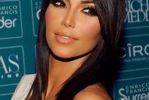 Dramatic Makeup / Smokey eyes, lashes galore, luscious lips. Bold and beautiful.  www.callmebeautiful.com