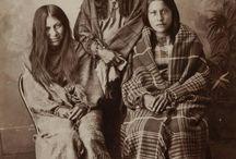 LAKOTA - HUNKPAPA SIOUX NATION / INDIGENOUS PEOPLE OF NORTH AMERICA